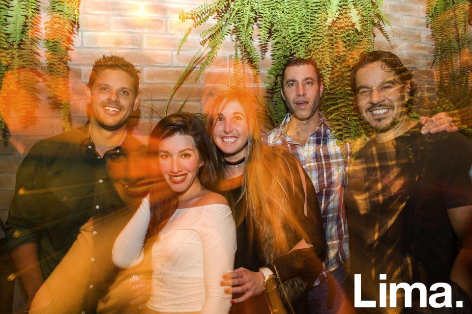 José Javier Cateriano, Pamela Patiño, Carolina Vigil, Gianni Palmieri e Iandrik Lynch en inauguración de Strega Bar, La Molina.