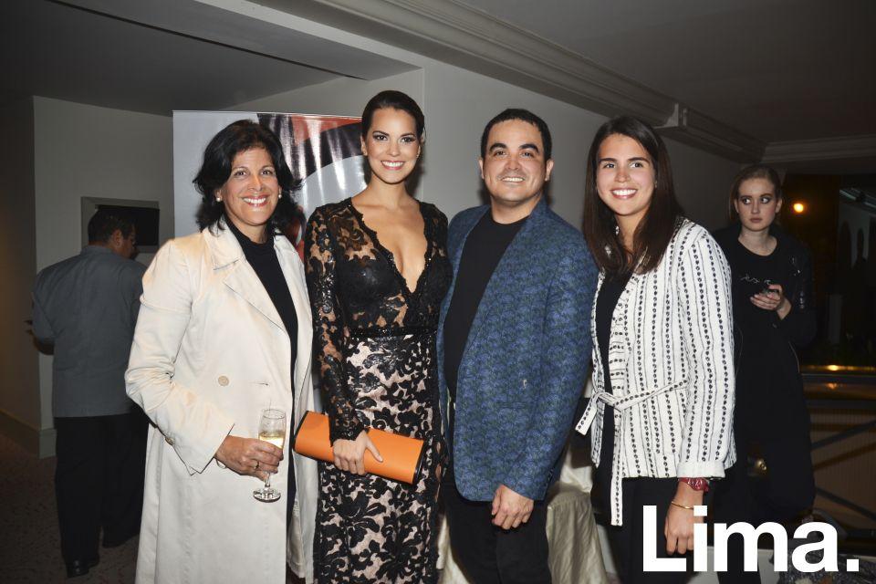 Laura León Concha, Valeria Piazza, Yirko Sivirich y Maria Laura López.