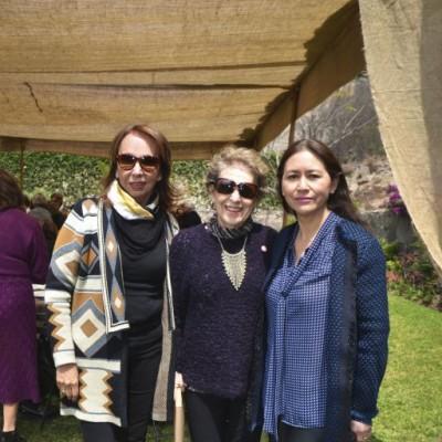 Lucha Galarcep , Kicca Susti y Raquel Lei.