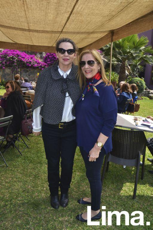 Pilar Balta y Roxanna Salaverry.