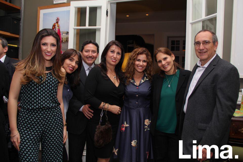 Ana Lucía Villavicencio, Sofía Godoy, Tulio Villavicencio, Gaby Arguedas, Sheryl Brecia y Alfredo Brescia.