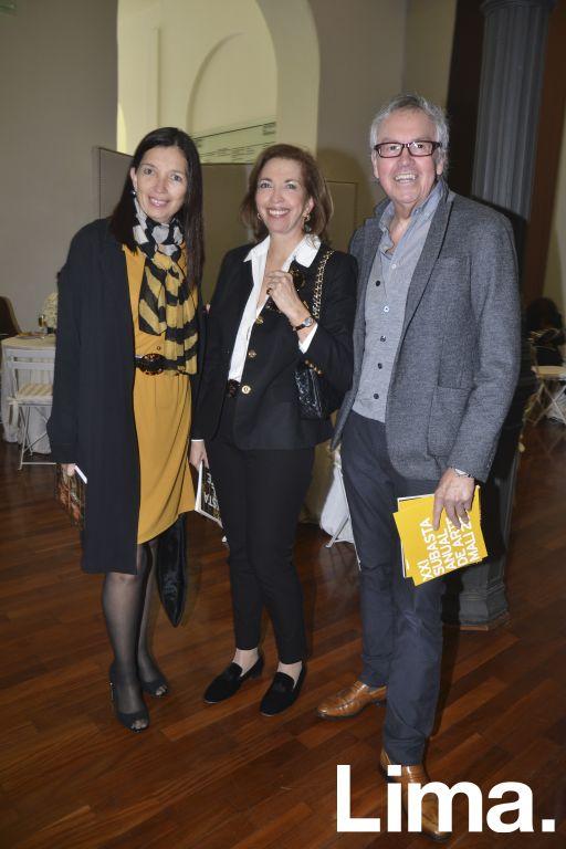 Carla, Elena y Marco Testino.