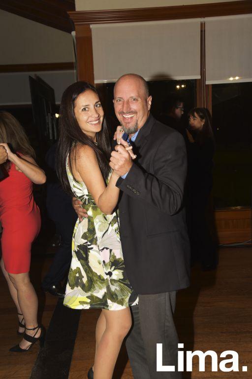Carla y Tony Salas.