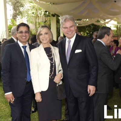 Hemant Avi, Mónica Fisher y Juan Carlos Fisher.