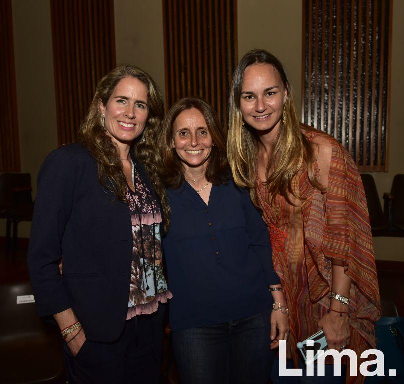 Viviana Paez, María Teresa García y Tessy de Cárdenas.