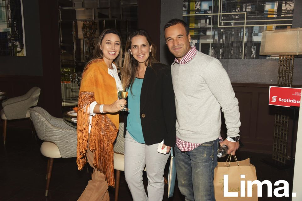 María Teresa Luna, Zinka Miletich y Ricardo Barthelmess.