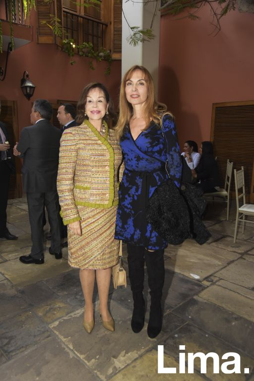 Marilú Cossio de Gonzales Posada y Maryshenka Miroquesada.