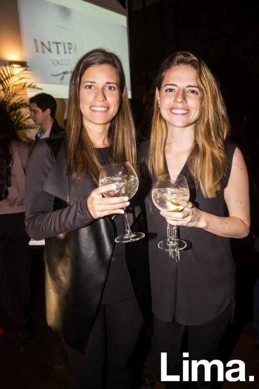 Pamela Flores y Daniela Umbert.
