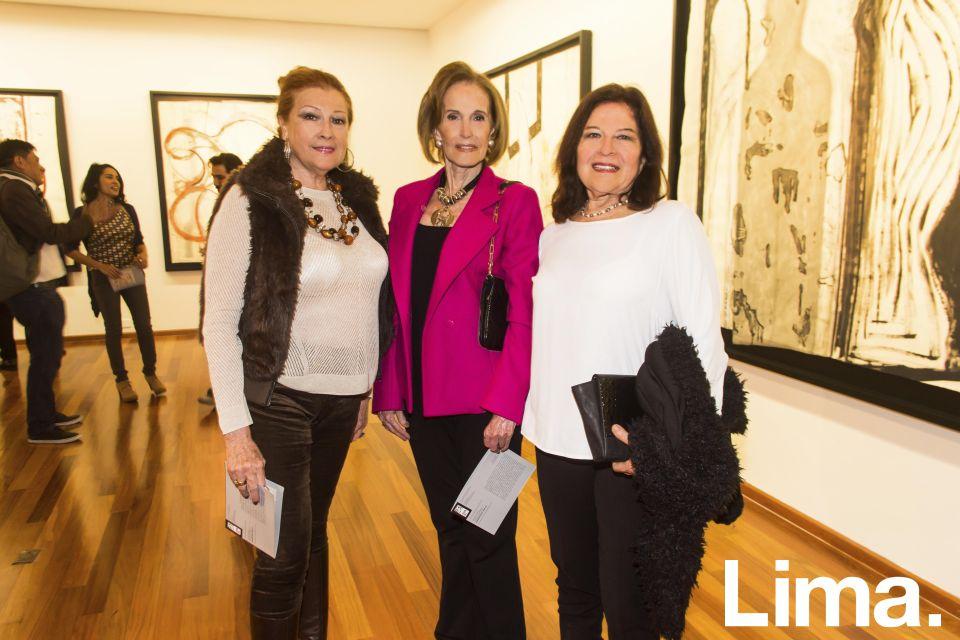 Rosa Elena de Ganoza, Carmen Marsano y Ana María Guevara.