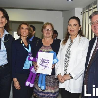 Sandra Plevisani , Lucha Graña, Nancy Lange, Tatiana Vidaurre y Rafael Picasso.