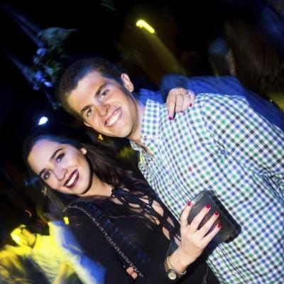 Daniela Guzman y Erick Penny en la fiesta main Haus.