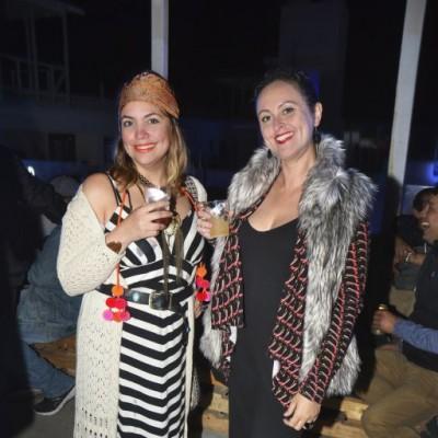 Jeanette Mendoza y Mariana Donizette.
