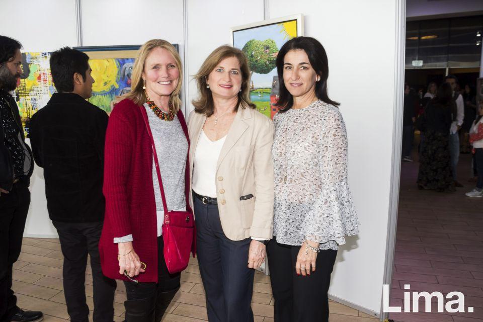 Lucia Rey, Claudia Tudela (Directora Operación Sonrisa) y Carmina Garcia.