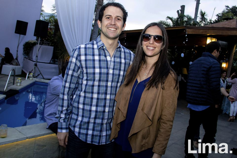 Santiago Mu§oz Najar y Maritza Montero.