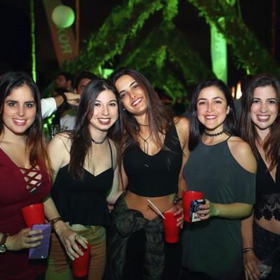 Constanza Fernandez Concha, Alessandra Freitas, Thalia Penagos, Thalia Guiulfo y Alessandra Woodman.