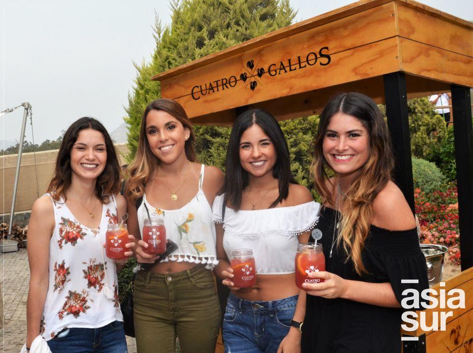 Daniela Salvatierra, Carolina Vives, Nathalia Nuñez y Ursula Bosio.