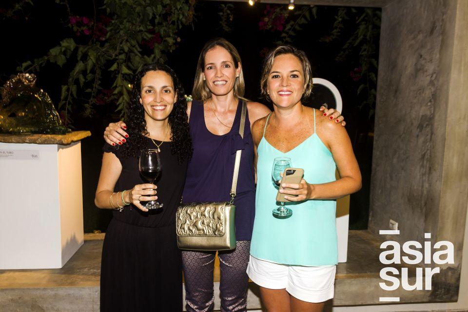 Ainosha Cilloniz, Maria Elena Barua y Marines Cabral.