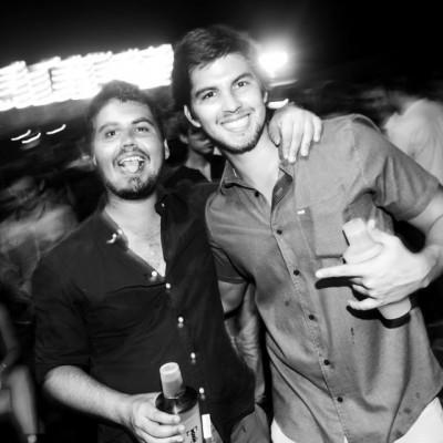 Alvaro Domingo y Andres Pardo en La Cachina Bar, Boulevard de Asia.
