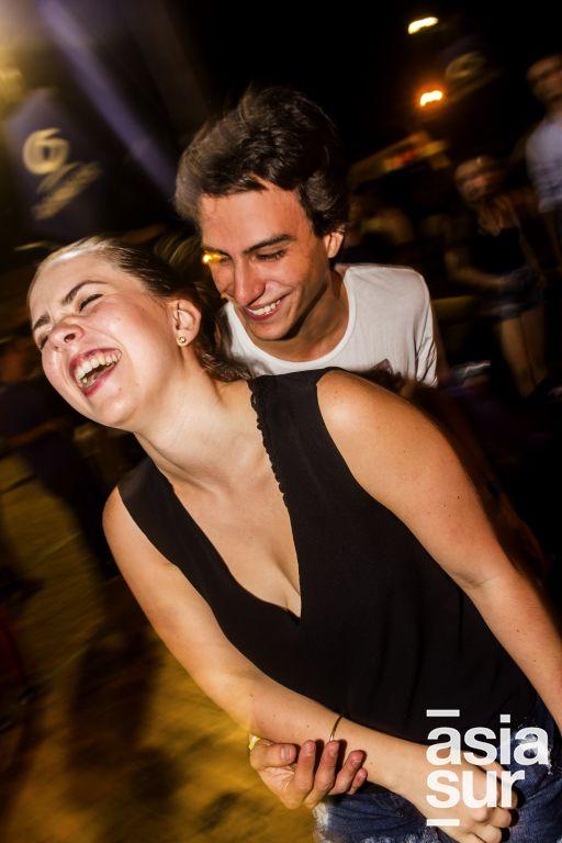 Alvaro Luna Victoria y Domenica Cuneo en La Cachina Bar, Boulevard de Asia.