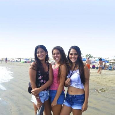 Andrea Ugas, Valeria Univazo y Micaela Portocarrero en Cocos.