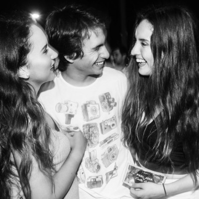 Ariana heredia, Alvaro Luna-Victoria y Romina Bertolotto en La Cachina Bar, Boulevard de Asia.