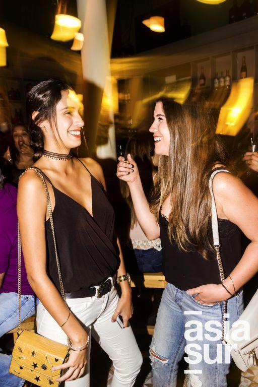 Camila Nano y Andrea Bustamante,  Miércoles de Huamaní en Isolina.