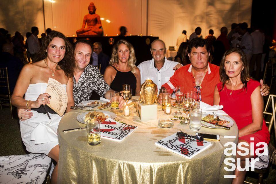 Gabi y Carlos Amoros, Kiko y Patricia Morote, Eduardo y Lourdes Castelano.