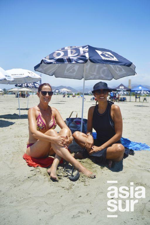 Lorena Correa y Sandra Freyre en Playa Blanca.