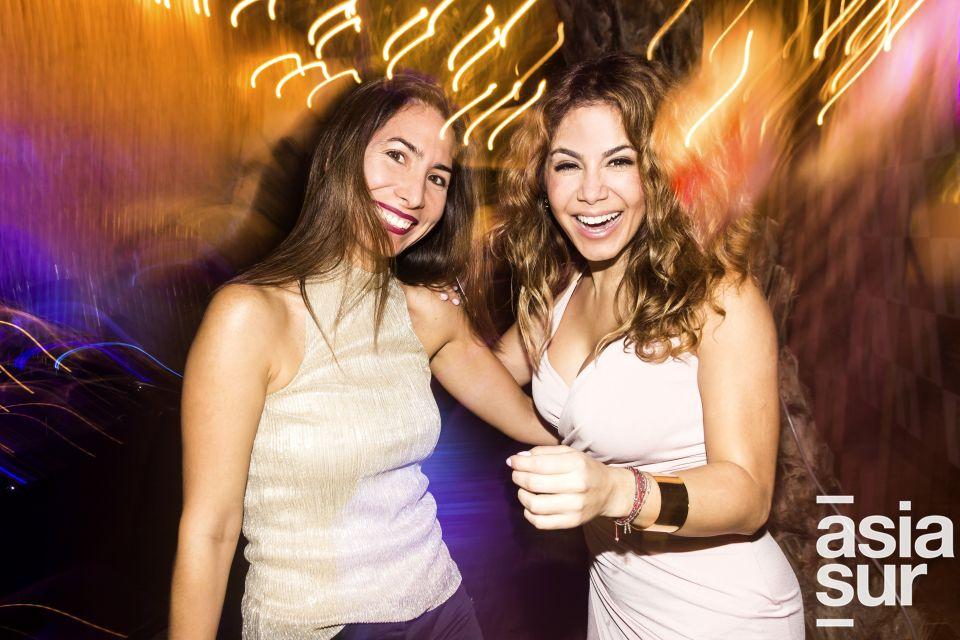 Mari Trini Hernani y Karla Pinillos en Amadeus, Boulevard de Asia.