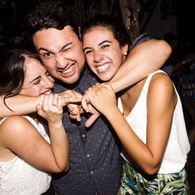 Paulina Rosas Cazorla, Jose Paulo Cámero y Alina Maggi en Nikita, Boulevard de Asia.