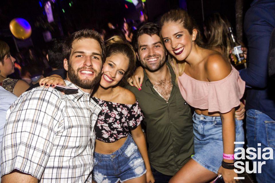 Stefano de Cossio, Andrea Basurco, nicolas Fernandez-Maldonado y Sandra Basurco en Nikita, Boulevard de Asia.