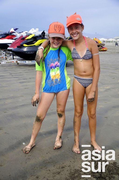 Sue Carvallo y Annia Valdivia en Cayma.