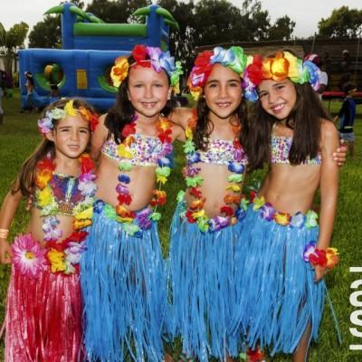 Valentina Seminario, Fatima Alayza, Lia Canepa y Catalina de La Puente.