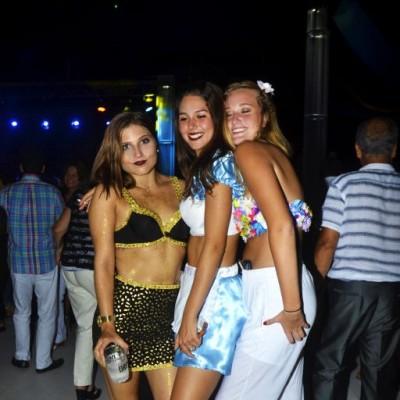 Annelise Indacochea, Daniela Bertini y Rafaella Cayo.