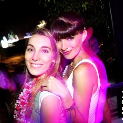Bettina Gorra  y Daniela Pereira en Nikita, Boulevard de Asia.
