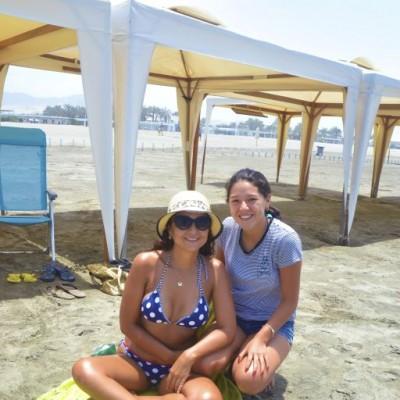Betty Araoz y Jimena Romero en Playa del Sol.