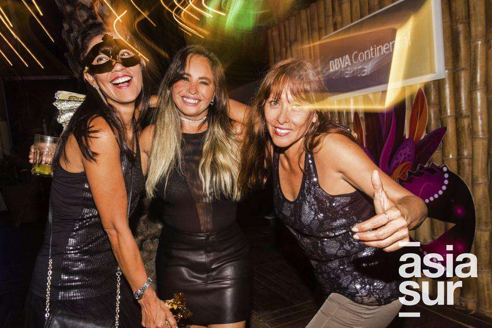 Caroll Zelada, Alicia Castillo y Brenda Castro en Amadeus, Boulevard de Asia.