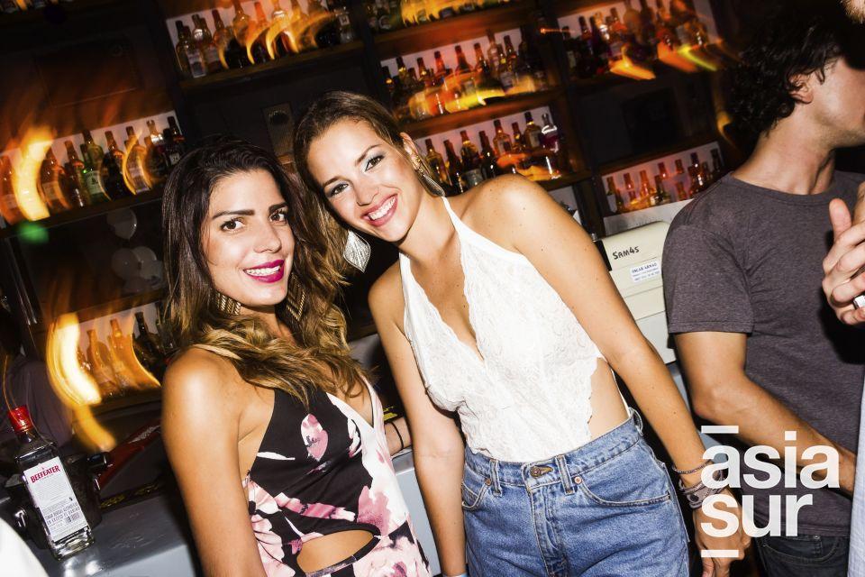Diana Riofrio y Silvia de Andrea en CM, Boulevard de Asia.