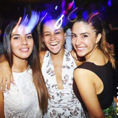 Francesca Chahuan, Luciana Escobal y Mapi Nue en Nikita, Boulevard de Asia.