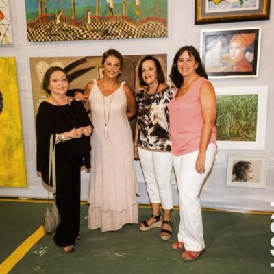 Graciela de Mulanovich, Carmela Evans, Charo Tabja y Giselle Mulanovich.