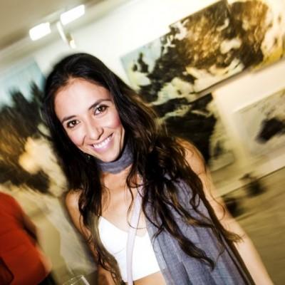 Isis Bottger en la inauguración de la muestra Veduta XXI en Galería Impakto.