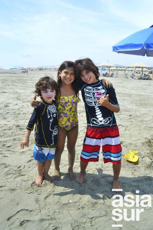 Luka, Mara y Matias Coloma en Playa Blanca.