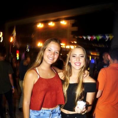 Marilu Galindo y Maria Paula Colichon en la Cachina Bar, Boulevard de Asia.