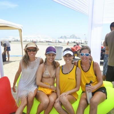 Mayte y Pamela Molla, Mariana Gabillo y Patricia Revilla.