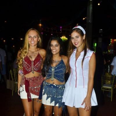 Mia Siccia, Rafaella Salmon y Carolina Diaz Dulanto.