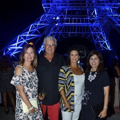 Micaela Monteverde, Nicolas y Patricia Boza y Ximena Monteverde.