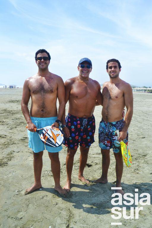 Rodrigo, Jhonny y Marcelo Brignardello en Playa Blanca.