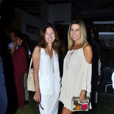 Roxana Valdivieso y Marisol Quiroga.