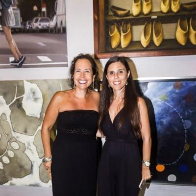 Sandra Leigh y Lucia O'Connor.
