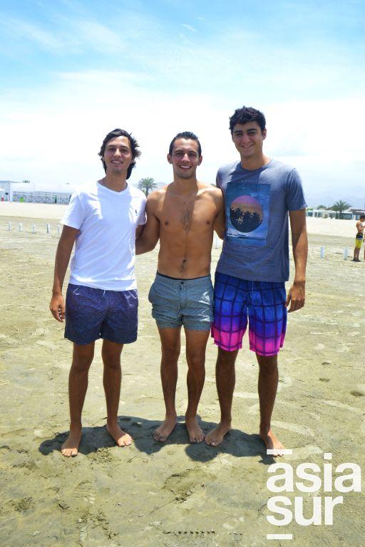 Santiago y Alonso Sanchez Pierola y Jose Luis Ferreyra en Playa del Sol.